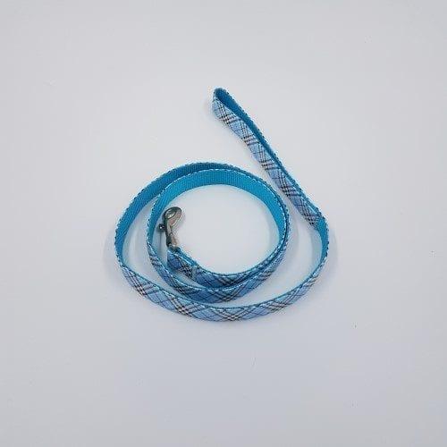 Lichtblauwe burberry riem